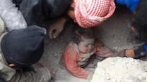 Dramatic rescue of baby buried in rubble in Syria