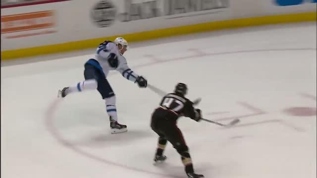 Evander Kane snaps a shorty top-shelf