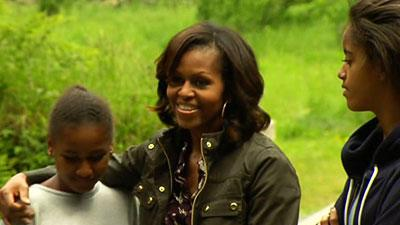 Raw: First Lady, Daughters Enjoy Irish Sights