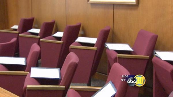 Non-citizens may soon be able to be on jury duty