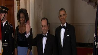 Obamas Warm Up to Hollande at State Dinner