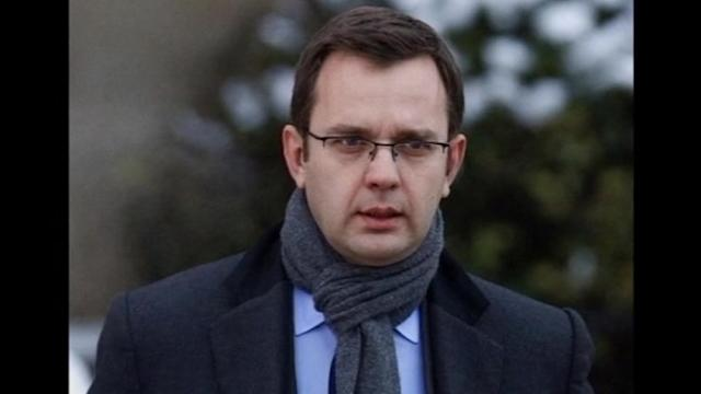 UK hacking: Brooks cleared, Coulson guilty