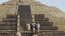 Leaders of Mexico, Japan tour Teotihuacan archaeological site