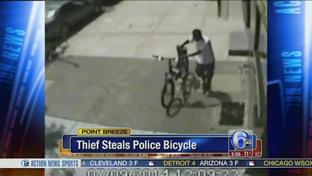 Thief steals police bike on camera