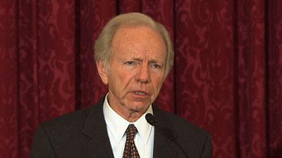 Sen. Lieberman Leads Vigil on Capitol Hill