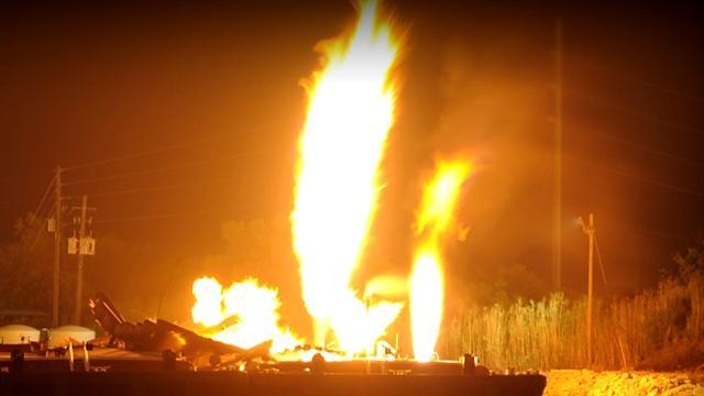 Fuel barges blow up in Ala., injuring three