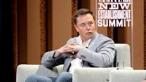 Elon Musk says Apple hires only Tesla's worst engineers