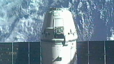 Raw Video: SpaceX Dragon leaves space station