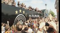 World Cup 2014: German heroes return to huge street party