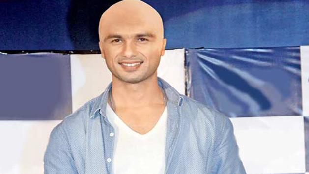 Will Shahid Kapoor go bald for Hamlet?