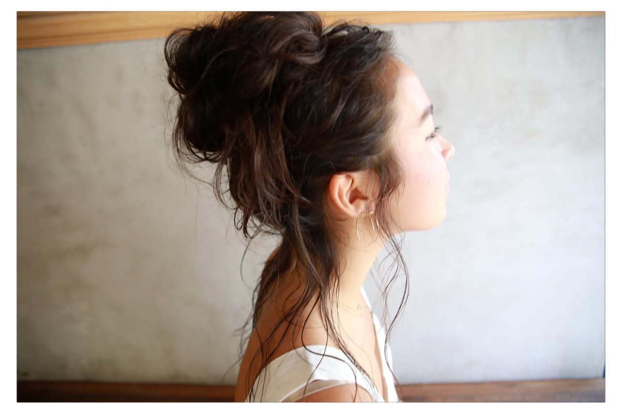 長髮×丸子頭,就是適合到戶外玩耍