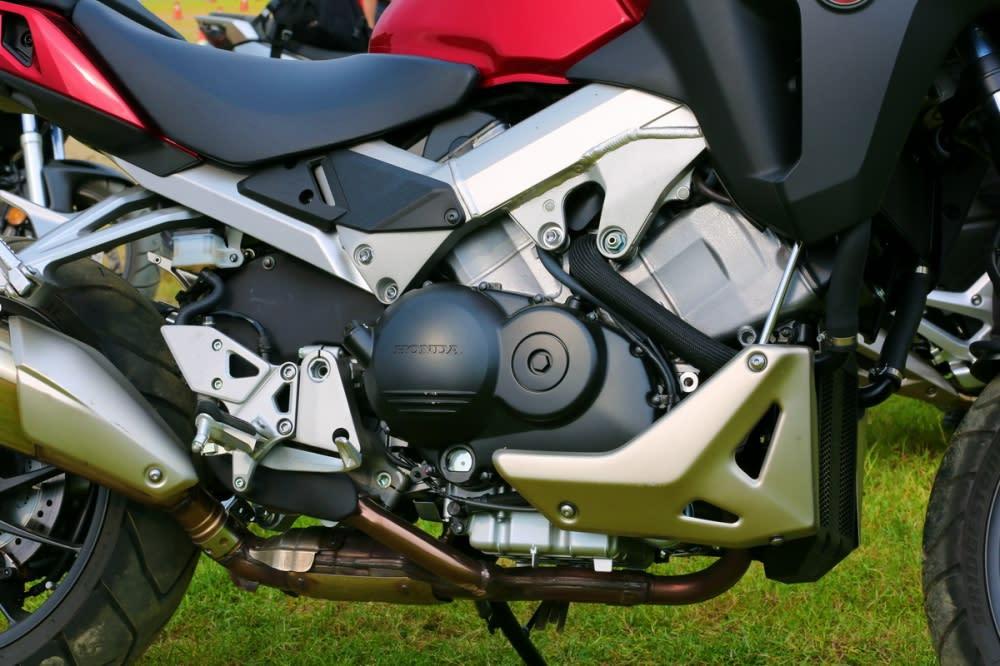 搭載著VTEC技術的引擎,不論在高、低轉速域之下都有良好的輸出