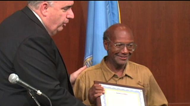 Homeless Hero Inspires Good Deeds, Donations