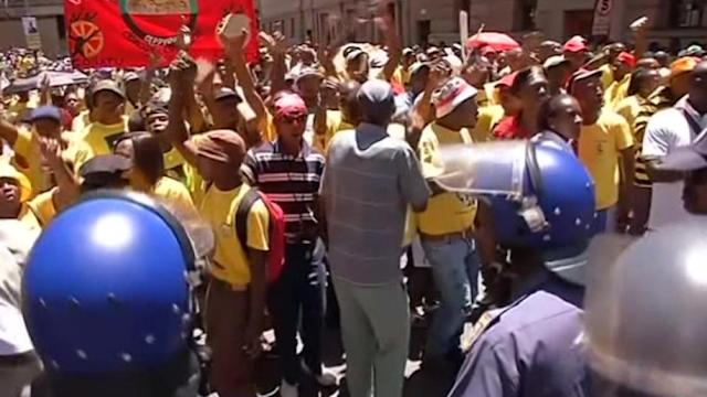 Police clash with ANC supporters at opposition march