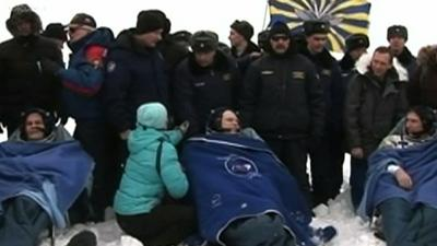 Raw: Space Station Crew Back on Earth