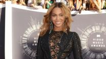 Stars Talk Fashion, Beyonce at VMAs Red Carpet