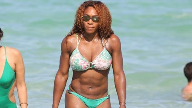 Spotted- Serena Williams Flaunting Her BIKINI Bod