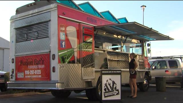 Are Airport Food Trucks the Way of the Future?