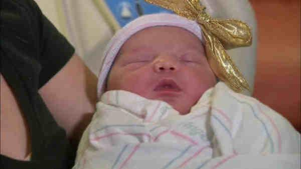 2 New York hospitals claiming first births of 2013