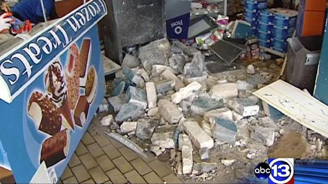 Smash-and-grab robbers break through store wall