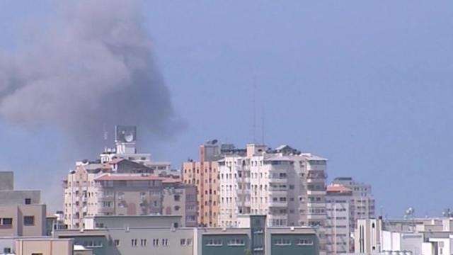 Israel strikes Gaza after militants resume rocket fire