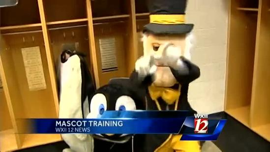 I Dare Ya, Ducouer! Goes Mascot Training