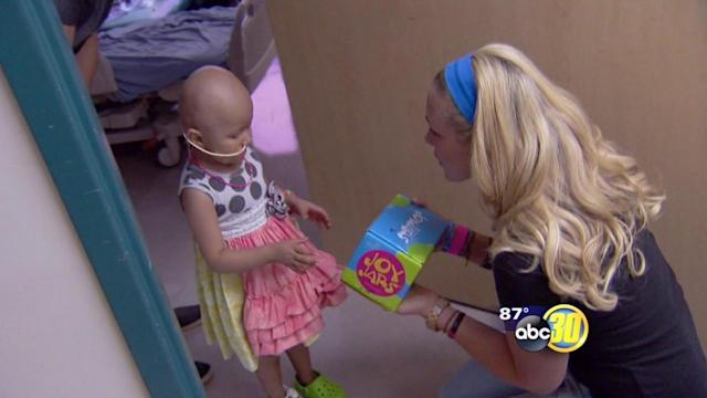 Olympic swimmer visits Children's Hospital Central California