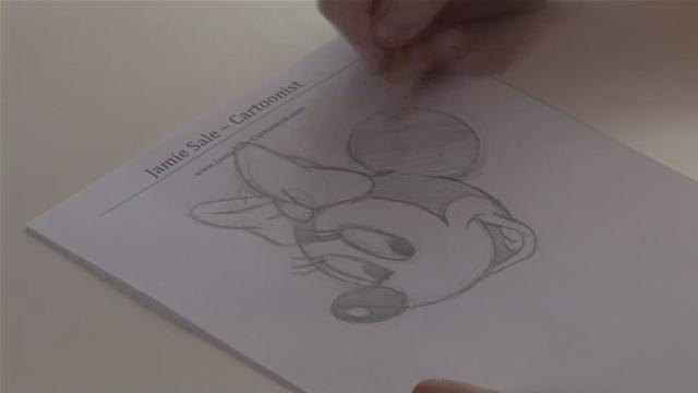 How To Draw Your Own Minnie Mouse