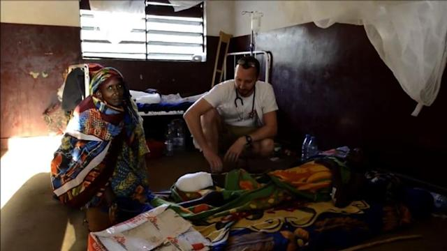 NGOs try to help displaced C.Africans in crowded camps