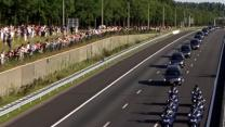 Raw: Mourners Gather As MH17 Bodies Transported
