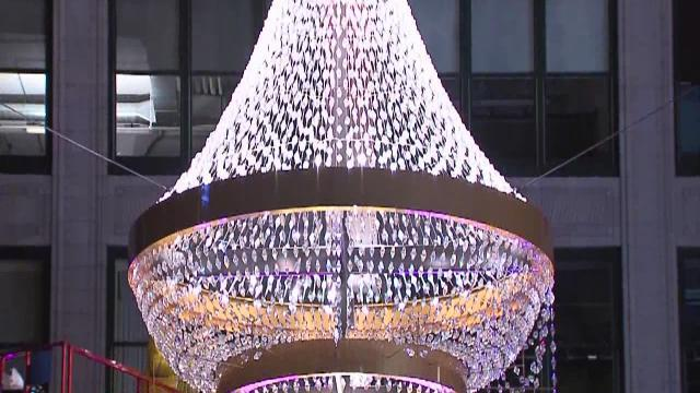 My Ohio: Lighting giant chandelier in Cleveland's Playhouse Square prompts thoughts on the theater district