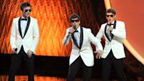 FOX SIGNS 'THE LONELY ISLAND'