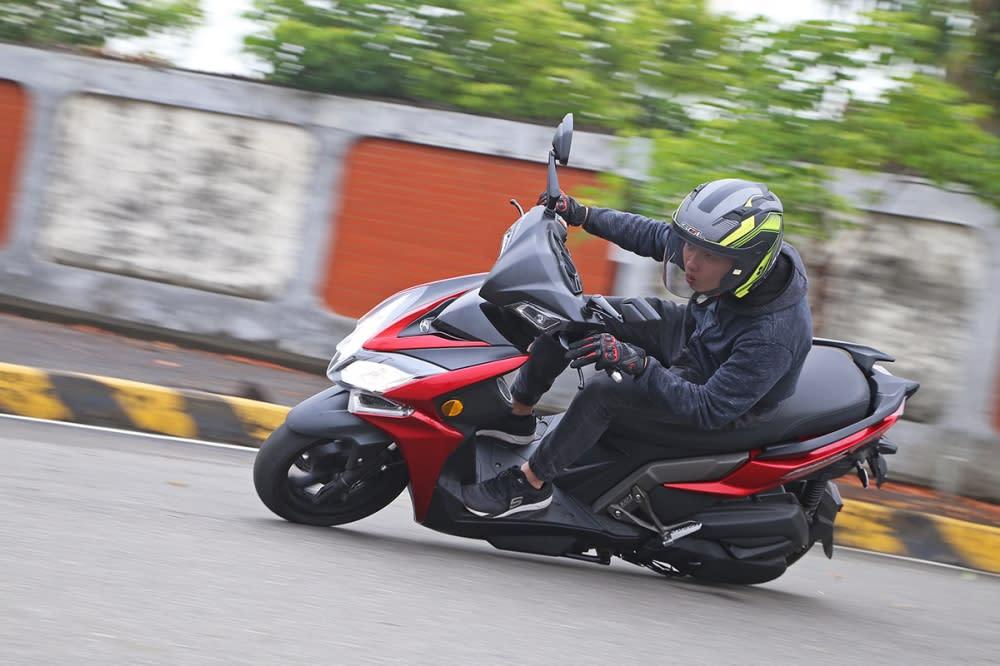Racing S 150 動力感受上則有著KYMCO 以往相當帶勁的調性。(試車手:陳祐民)