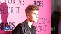 Justin Bieber Hides From Paparazzi by Wearing ... a Gas Mask!?