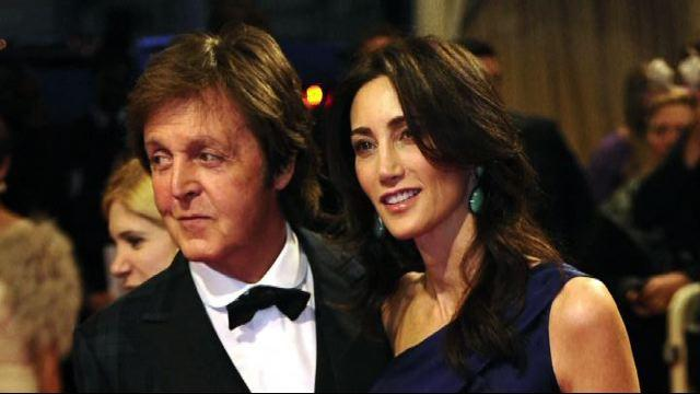 Paul McCartney compie 70 anni: una vita da leggenda pop