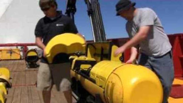 Navy Prepares Bluefin-21 Sub for MH370 Search