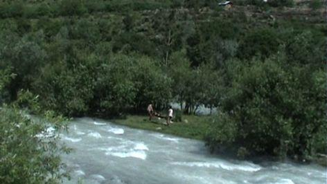 Group of youth fall in river, 1 body rescued, 4 missing