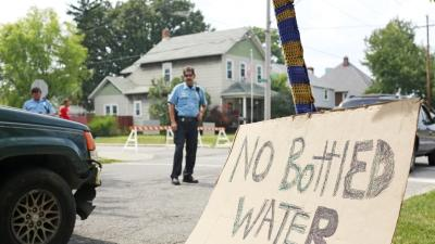 Toledo to Continue Water Ban After New Tests