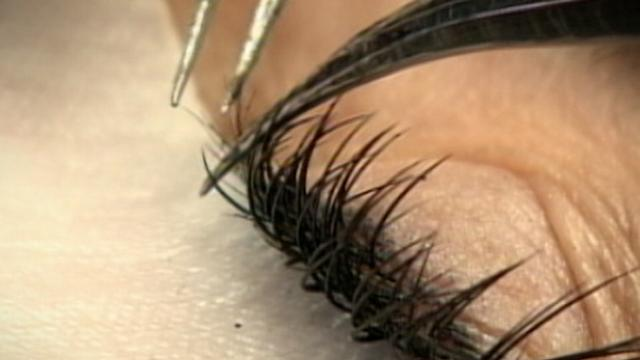 Eyelash Extensions Can Pose Health Risk