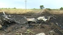 MH17 Wreckage Largely Unguarded, Not Secure
