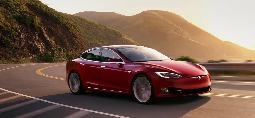 Porsche Taycan最大對手為Tesla Model S,Porsche已承諾在美國架設至少500個充電站(圖片來源:https://www.tesla.com/zh_TW/models)