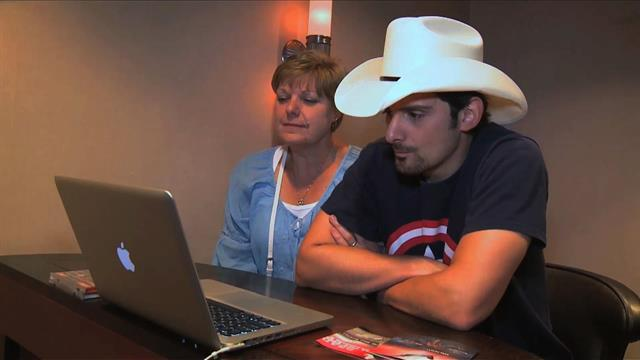 Brad Paisley chats with fans via Skype