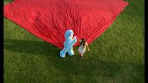 Igglepiggle unveils the world's largest polar fleece blanket