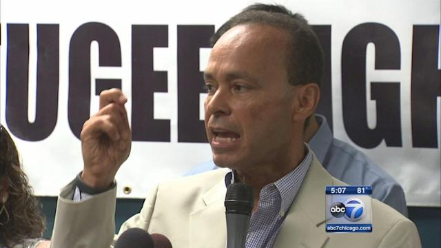 Rep. Luis Gutierrez calls on Obama to stop deportations