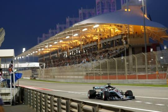 沙漠夜戰!F1巴林站Vettel再勝,銀箭分佔2、3