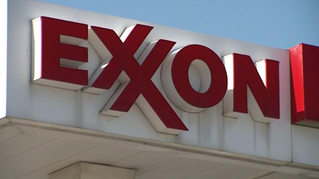 ExxonMobil to offer benefits to gay and lesbian spouses