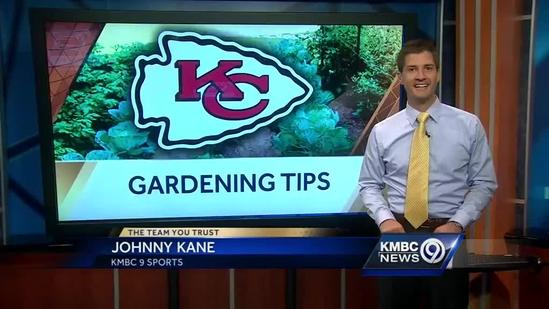 Chiefs players join kids for gardening lesson