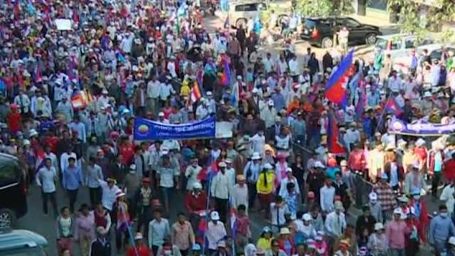 Thousands rally in Cambodia demanding PM step down