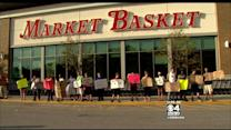 Ousted Market Basket CEO Offers To Return To Work Hours Before Deadline