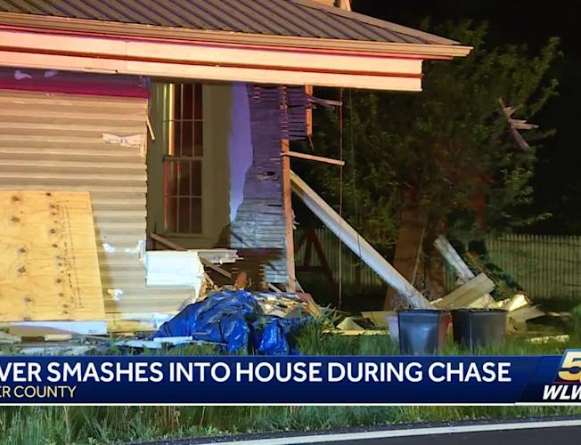 Police chase ends after suspect crashes into house in Butler County